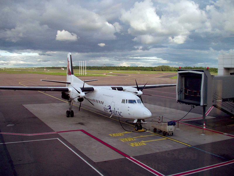 Datoteka:Air-baltic-tallinn.jpg