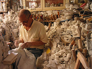 Alabaster - Alabaster workshop in Volterra