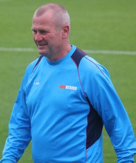Alan Dowson English footballer and manager