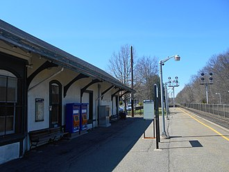 Allendale station (NJ Transit) - Allendale station's inbound platform