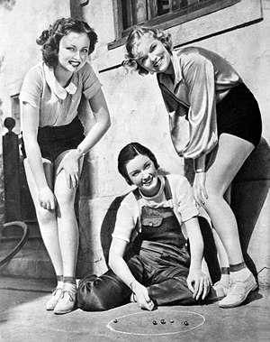 "Gail Patrick - Lona Andre, Gail Patrick and Verna Hillie, finalists in Paramount Pictures' ""Miss Panther Woman"" contest in 1932"