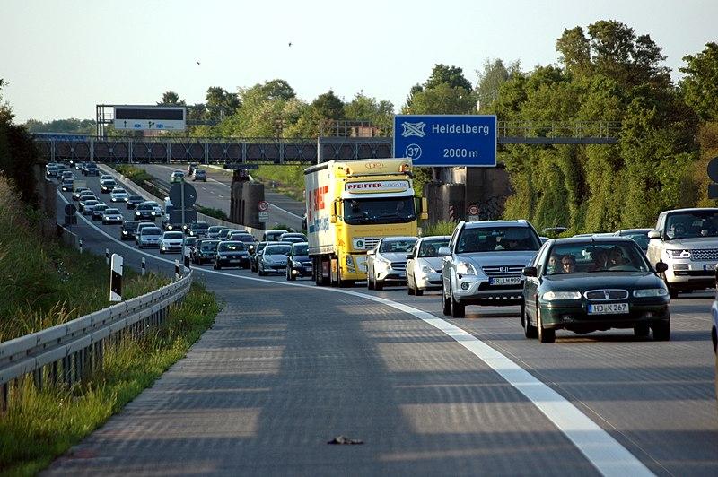 File:Autobahn A5 bei Heidelberg - Stau.JPG