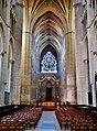 Auxerre Cathédrale St. Étienne Innen Langhaus West 1.jpg