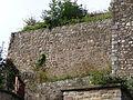 Avranches (Manche) Mur avec traces d'appareil en arête-de-poisson.JPG