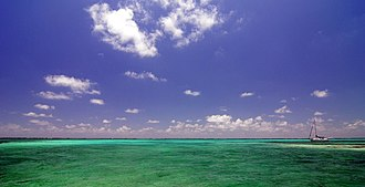 Ambergris Caye - Image: Azure Water off the coast of Ambergris Caye, Belize