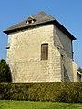 Béthisy-Saint-Pierre (60), château du roi Jean, ancien colombier.jpg
