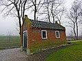 Baarhuisje begraafplaats Pieterburen.jpg