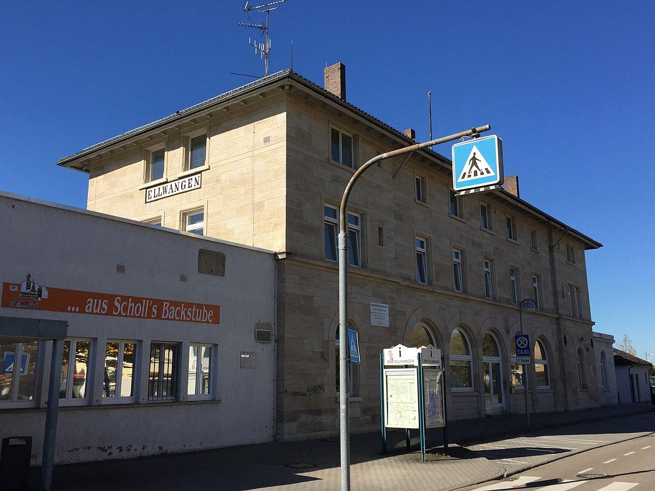 Bahnhof Ellwangen (Jagst) 171015.jpg
