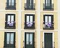 """Balcones feministas en 8M de 2021 de Madrid con proclama """"Ni una menos"""".jpg"""