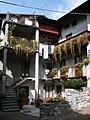 Balconi fioriti a Ardesio - panoramio.jpg