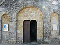 Baneuil église portail.JPG
