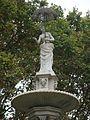 Barcelona-Zoo-Fuente de la dama del paraguas (Joan roig y Solé, 1885) (II).jpg