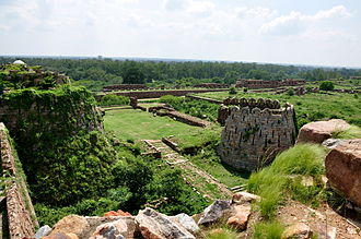 Tughlaq dynasty - Image: Bastions at the Old City of Tughlaqabad