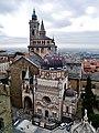 Bergamo Campanone Blick auf die Basilica di Santa Maria Maggiore & Cappella Colleoni 2.jpg