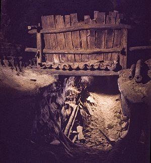 Big Bone Cave - Image: Big bone cave saltpeter vat