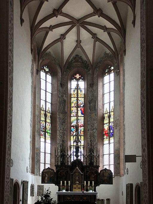 512px-Bischofsheim_R%C3%B6hn_St._Georg_Chor_20190615.jpg