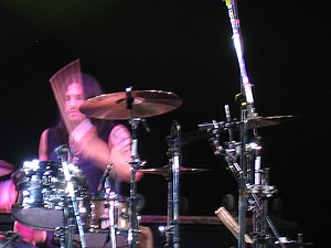 Brad Wilk - Wilk performing with Audioslave at the Montreux Jazz Festival in 2005