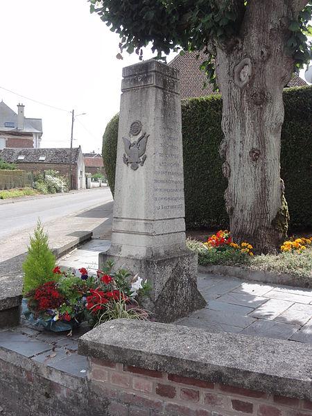Brancourt-le-Grand (Aisne) stèle mémorial de guerre