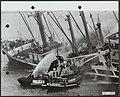 Branden, vrachtschepen, tjokroaminoto, Bestanddeelnr 123-0059.jpg