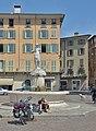 Brescia fontana di Minerva piazza Duomo.jpg