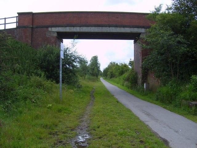 Bridge across former East Coast Main Line route - geograph.org.uk - 877006