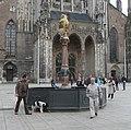 Brunnen auf dem Münsterplatz - panoramio.jpg