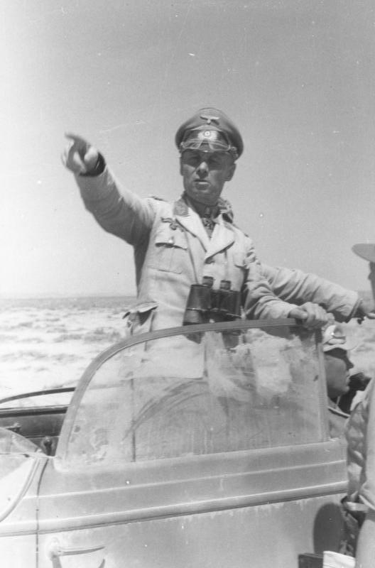 Bundesarchiv Bild 101I-443-1582-32, Nordafrika, Generaloberst Erwin Rommel
