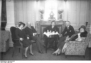 Felix Frank - Felix Frank (middle) in 1929