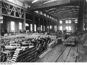 Bundesarchiv Bild 146-1970-047-37, Munitionsfabrik