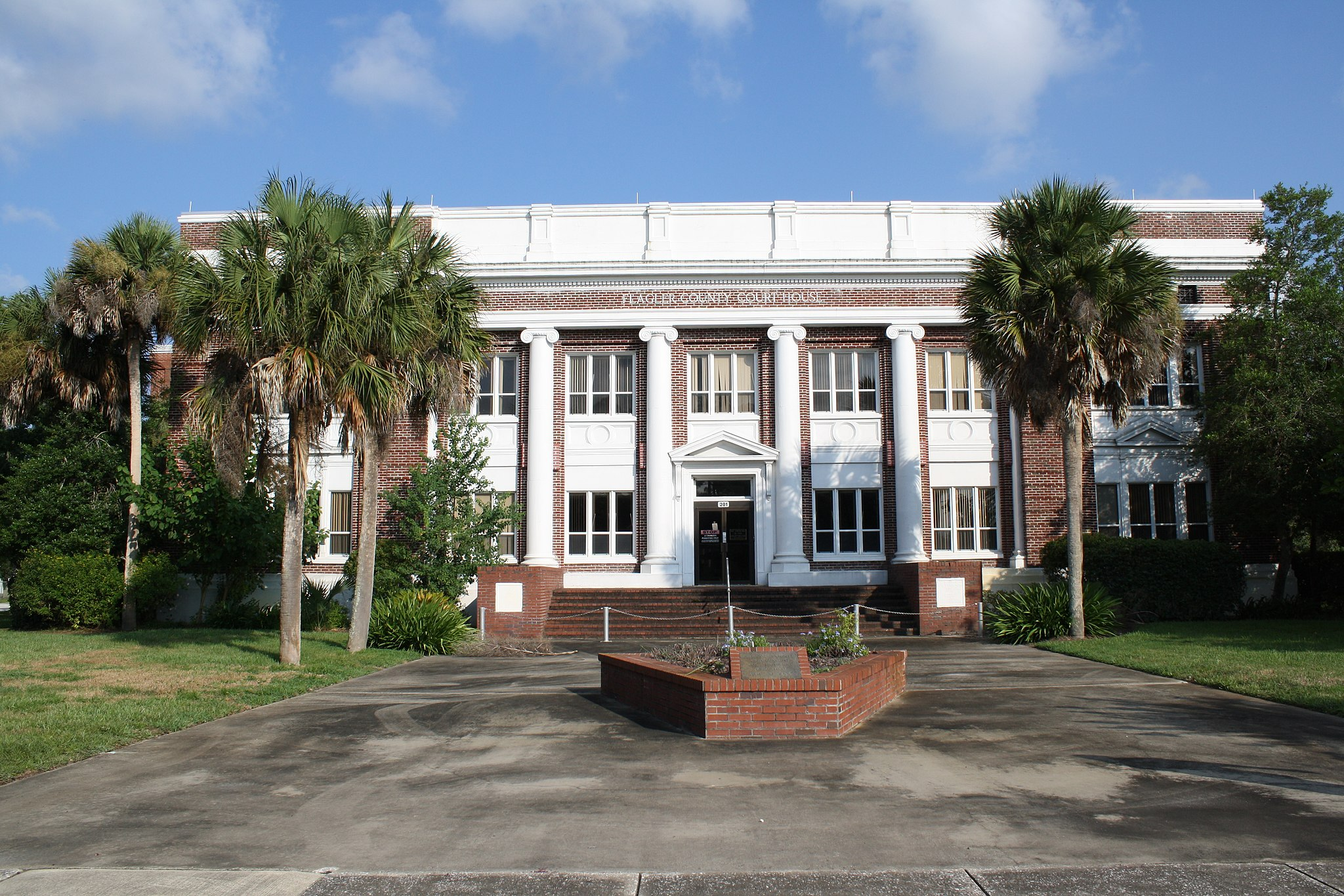 Bunnell, FL, Courthouse, Flagler County, 08-08-2010 (2)