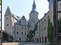 Burg Lauenstein Burghof.jpg