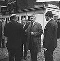 Burgemeester Thomassen slaat eerste paal kantoorcomplex aan de Westblaak, Bestanddeelnr 917-7221.jpg