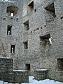 Burgruine Reußenstein süd - östlich Ecke des Palas (Küche im Untergeschoß) (7574075982).jpg