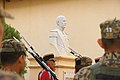Busto de gerardo barrios ubicado a un costado del Teatro Nacional Francisco Gavidia.jpg