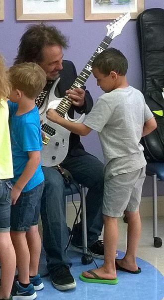 Craig Chaquico - Chaquico using Music Therapy at Renown Children's Hospital in Reno, Nevada, 2016