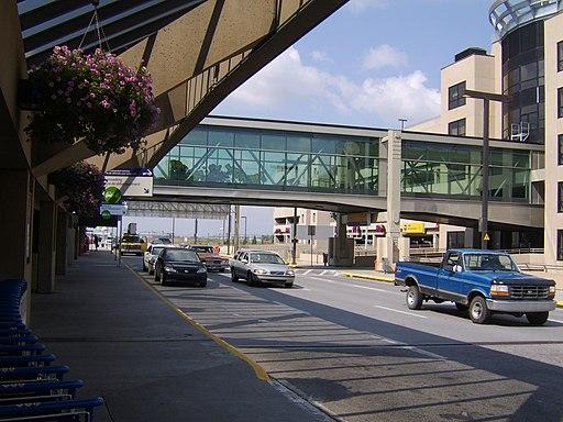Calgary International Airport (2) (7385398770)