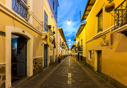 La Ronda street, one of the most popular areas to go out. Calle de la Ronda, Quito, Ecuador, 2015-07-22, DD 215.JPG