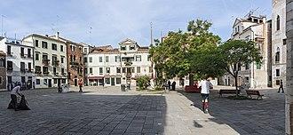 Campo (Venice) - Image: Campo Bandiera e Moro (Venice)
