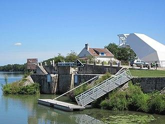 Saint-Symphorien-sur-Saône - Rhone–Rhine Canal