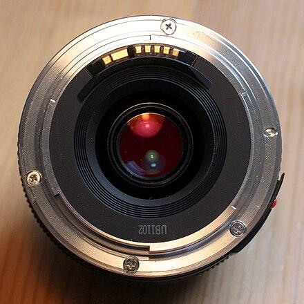440px-Canon_EF-Bajonett.jpg