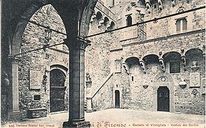 Vincigliata - The courtyard of Vincigliata Castle in 1901