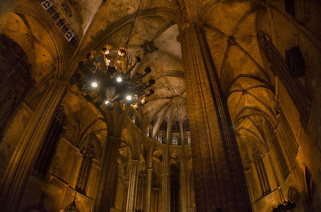 Amigos para siempre catedrales por pa ses espa a for Interior de la catedral de barcelona