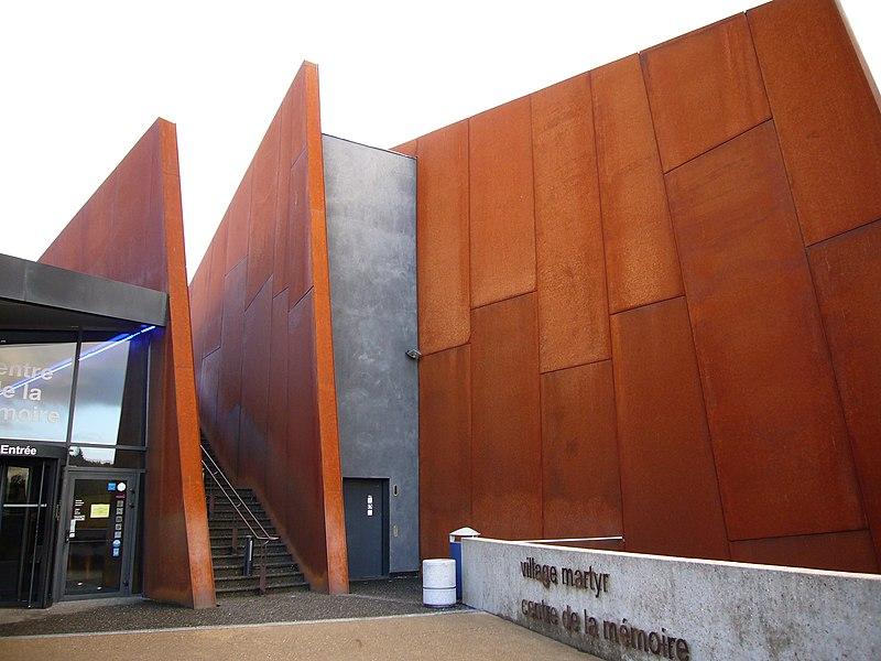Datei:Centre de la mémoire oradour.JPG