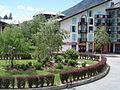 Chamonix-Mont-Blanc -- Le village piéton de Chamonix-Sud (Balme).JPG