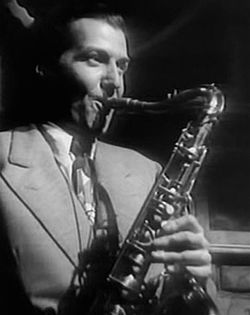 Charlie Barnet nel film The Fabulous Dorseys (1947).