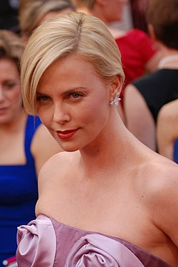 Charlize Theron @ 2010 Academy Awards crop2.jpg