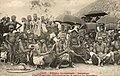 Chef et groupe d'indigènes de la région de Savallou (Dahomey).jpg