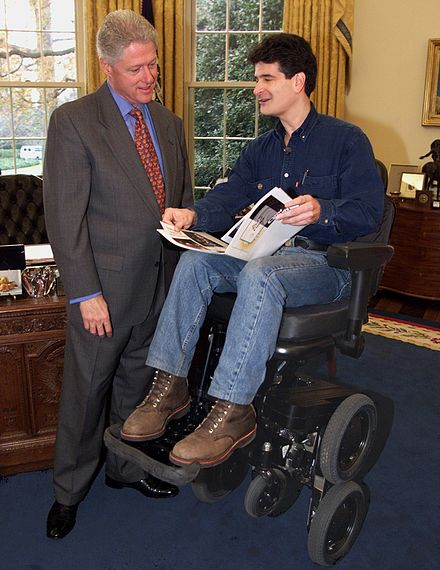 Dean Kamen (b. 1951) demonstrating his iBOT invention to President Bill Clinton in the Oval Office. Clinton-kamen.jpg
