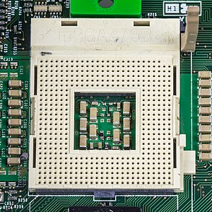 Compaq 011347-001 processor board - socket mPGA478B-3055.jpg