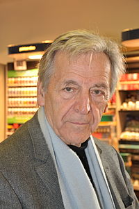 https://upload.wikimedia.org/wikipedia/commons/thumb/7/7a/Costa-Gavras_-_Vence.JPG/200px-Costa-Gavras_-_Vence.JPG
